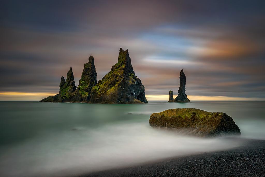 Reynisfjara_Beach_Wojciech_Kruczynski_ Dreamstime.com Kopie
