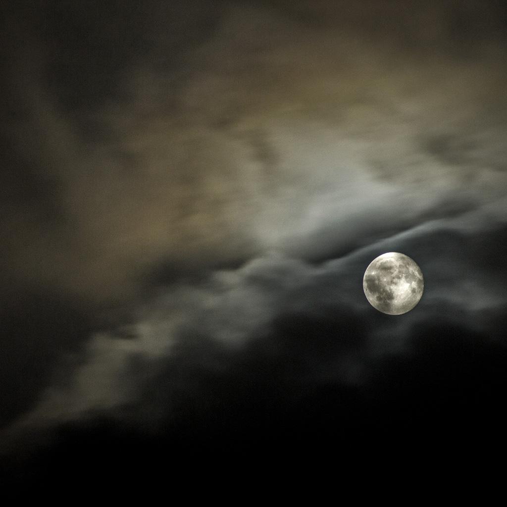 full-moon-2560857