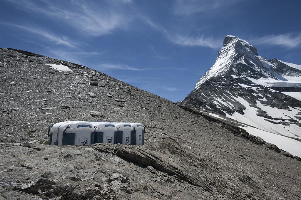 Base Camp Provisorium Hirli, Zermatt © Valerie Chetelat