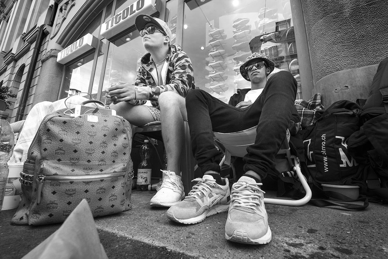 Aron Cash (l.) und Mirun Kanagasabai, Turnschuh Fanatiker vor dem Titolo, Bern © Valerie Chetelat