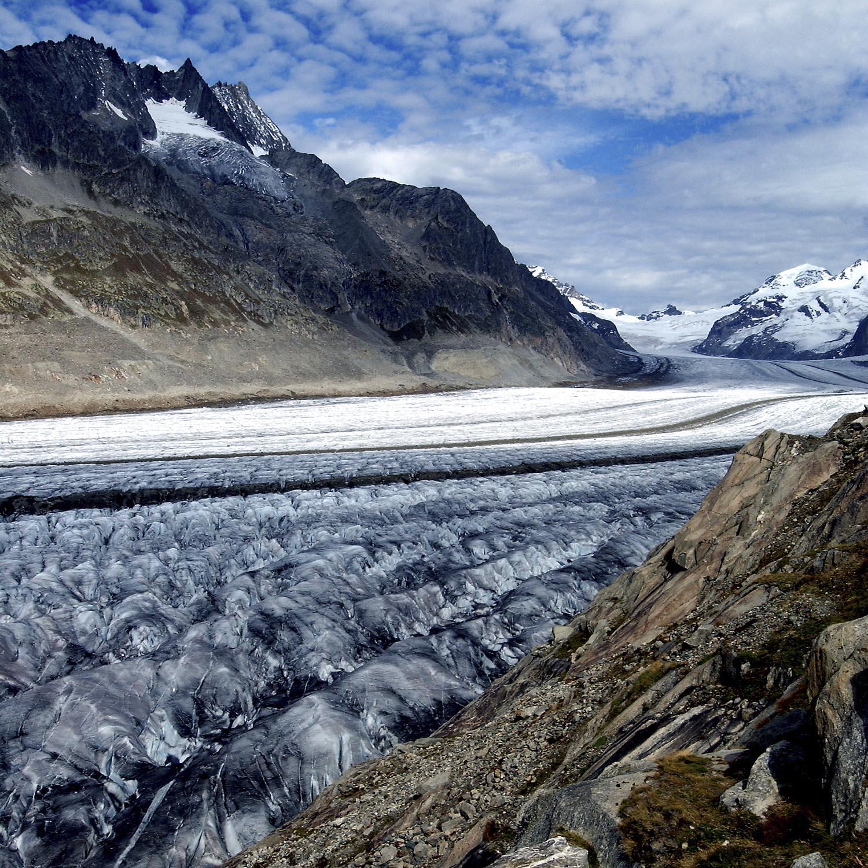 Aletschgletscher Blick Richtung Jungfrau von Platta aus fotografiert © ValÈrie ChÈtelat      Diese Foto ist COPYRIGHTPFLICHTIG. Die Rechte liegen bei der Fotografin und nicht bei der Bund Verlag AG