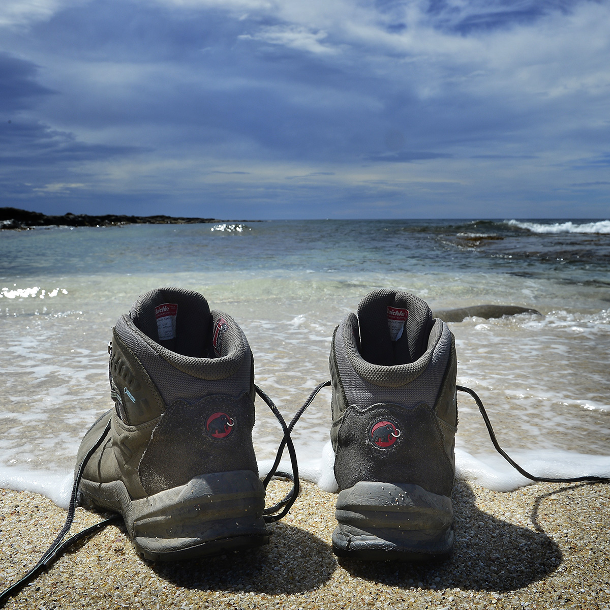Texte im Sand © Valerie Chetelat